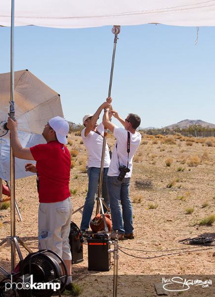 photokamp-nick-saglimbeni-2012-silk-lifting-desert