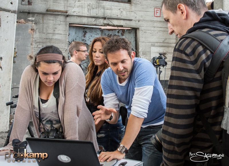 photokamp-nick-saglimbeni-teaching-julia-stanton-arno-barcelona-germany
