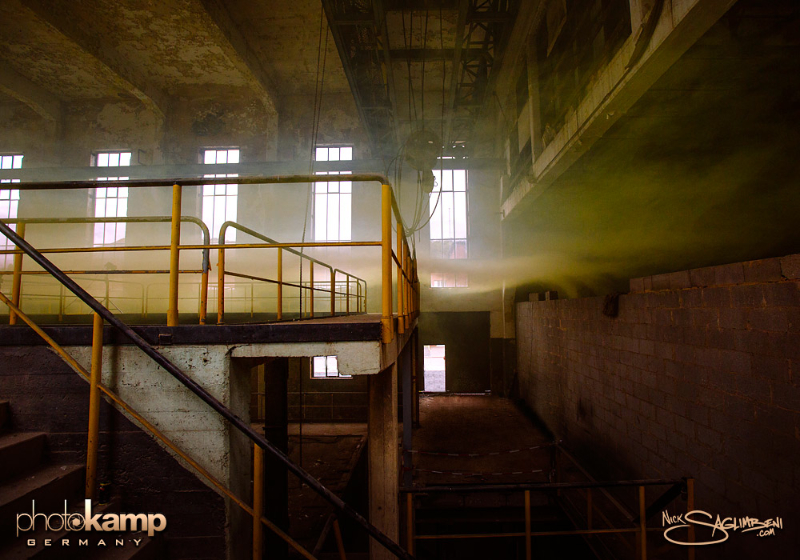 photokamp-smoke-bomb-clean-germany-ghosts-saglimbeni